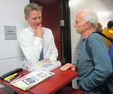 Dr. Jerry Lynch consults with Steve Kerr